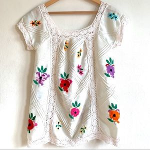 VTG Embroidered Floral Mexican Hippie Tunic Blouse